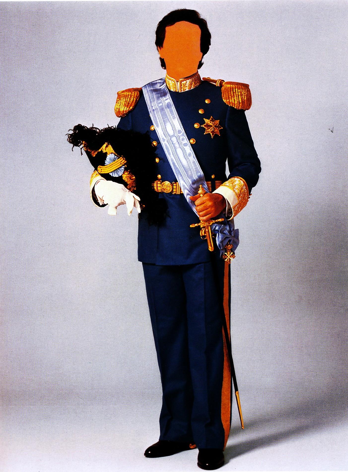 Uniforme Militare da Cavaliere di Gran Croce con Placca d'oro