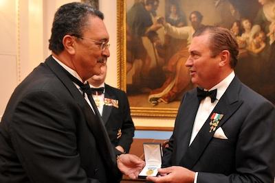 Il primo ministro di Santa Lucia riceve la Medaglia d'Oro Benemerenti