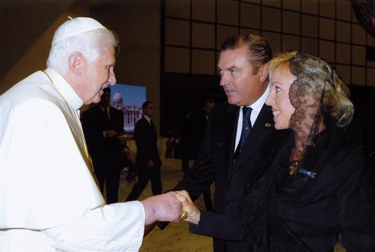 LL.AA_.RR-con-S.S.-il-Papa-Benedetto-XVI1