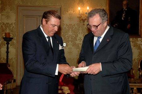 Investitura negli Ordini dinastici del Gran Maestro dell'Ordine di Malta