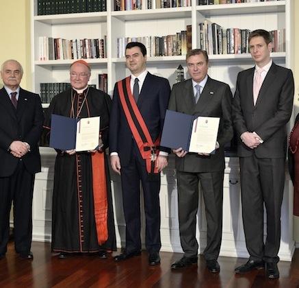 Riconoscimento da parte del Sindaco di Tirana a S.A.R. il Principe e Gran Maestro e all'Em.mo Cardinale Gran Priore