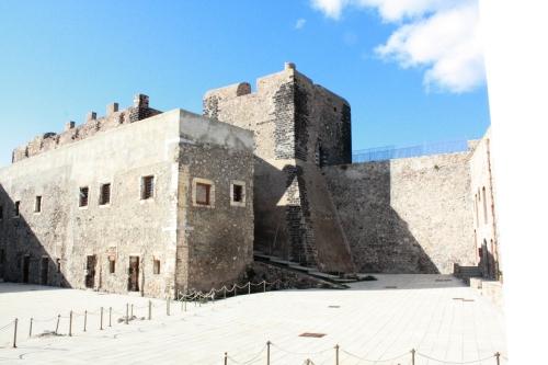 11) la fortezza di Milazzo