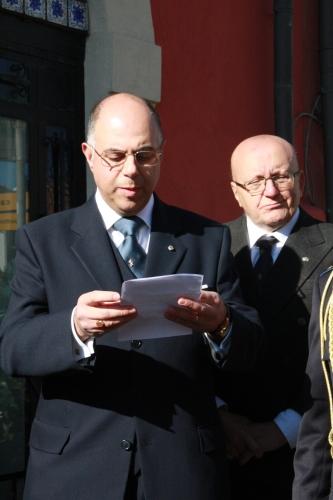 3) il prof. Italiano legge la storia della vita del gen. BeneventanoIMG_1500