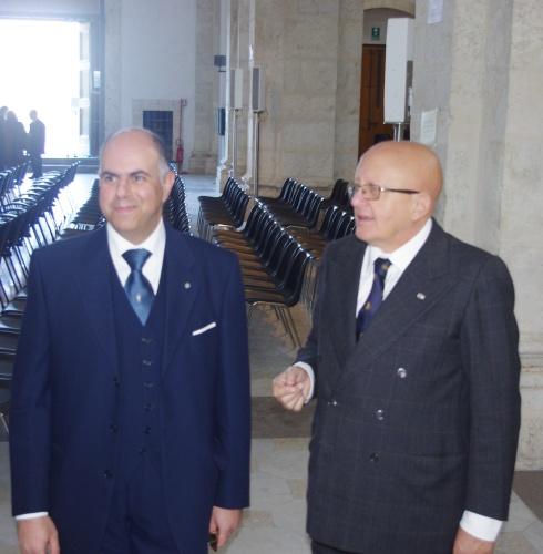 9) il cav. salvatore Italiano con il delg. Vicario