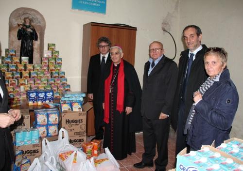 distribuzione degli alimenti a Nuov. Briciole di salute (4)