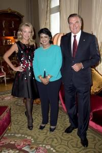 Dîner offert par LL.AA.RR. le Prince et la Princesse de Bourbon des Deux Siciles, Duc et Duchesse de Castro, le lundi 28 mars 2016 en leur résidence à Paris, en l'honneur de S.E. le Dr. Ameenah Gurib-Fakim, Présidente de l'Île Maurice.