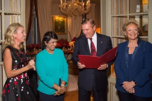 Exclusif - No Tabloids - Rama Poonoosamy, Camilla de Bourbon des Deux Siciles, Ameenah Gurib-Fakim (prÈsidente de la RÈpublique de Maurice), Charles de Bourbon des Deux Siciles et BÈatrice de Bourbon des Deux Siciles - Remise de dÈcoration de Grande Croix de L'Ordre royal de FranÁois Ier ‡ la prÈsidente de la RÈpublique de Maurice, Ameenah Gurib-Fakim ‡ Paris le 28 mars 2016. Exclusive - For Germany call for price - Ameenah Gurib-Fakim, president of the Republic of Mauritius receives the Grand Cross of the Royal Order of Francis I in Paris, France on march 28, 2016.