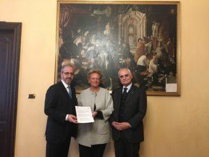 Il Prof. Avv. Antonio Maria Leozappa, S.A.R. la Principessa Beatrice di Borbone delle Due Sicilie e S.E. l'Amb. Giuseppe Balboni Acqua