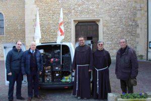 Fig.1_Momento della donazione di generi alimentari al Convento di San Daniele dei Frati Minori Francescani_Lonigo