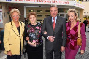 La Familia Real de Borbón de las Dos Sicilias con la Presidente Mariella Enoc
