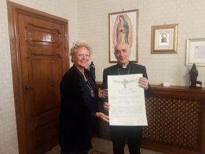 consegna della Gr. Cr. di Grazia Ecclesiastica al Vescovo di Noto